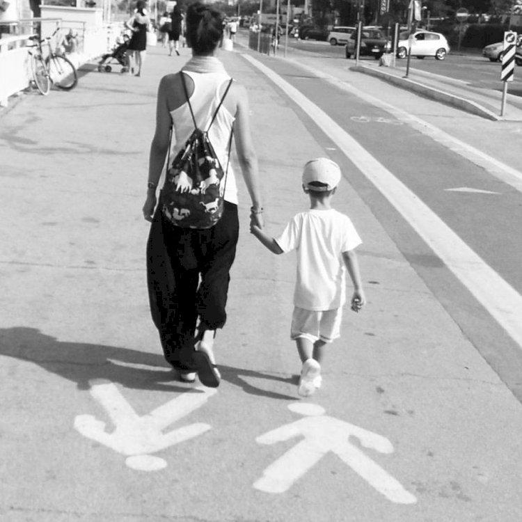 Alle mamme che ci sono, in un modo o nell'altro.
