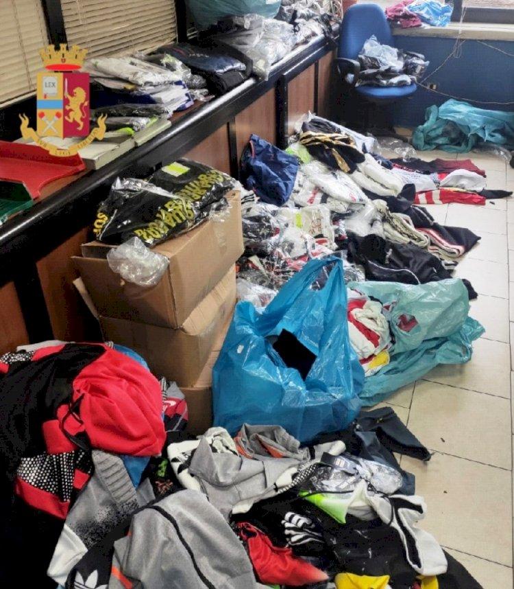 Polizia scopre un deposito di merce contraffatta