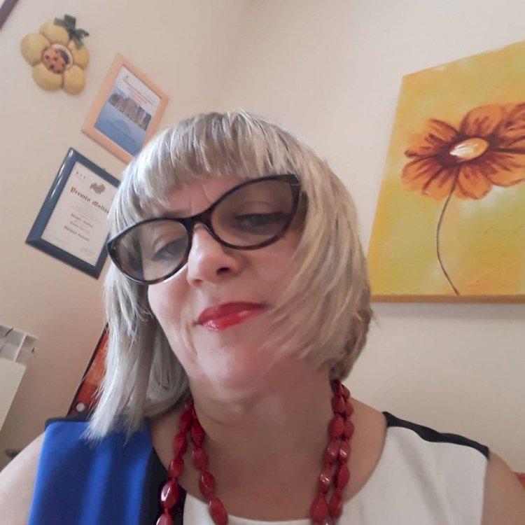 Intervista alla poetessa e scrittrice Ferrante
