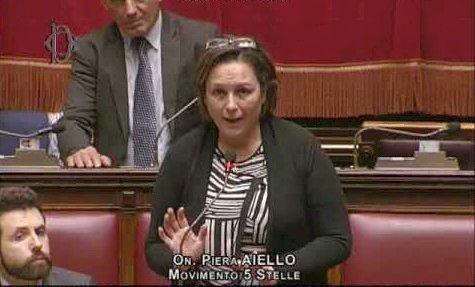 La deputata Piera Aiello e quel paragone inaccettabile. Bastano le scuse? O servono le dimissioni?