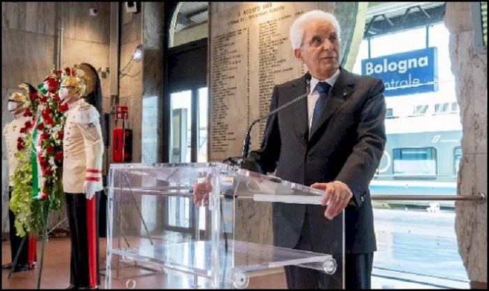 40° anniversario strage di Bologna, Mattarella: «Un efferato e criminale gesto terroristico»