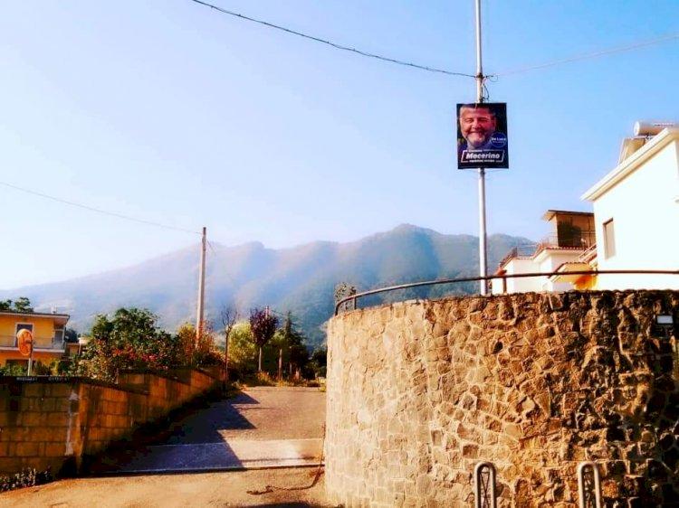 Somma Vesuviana: Manifesti elettorali «selvaggi»