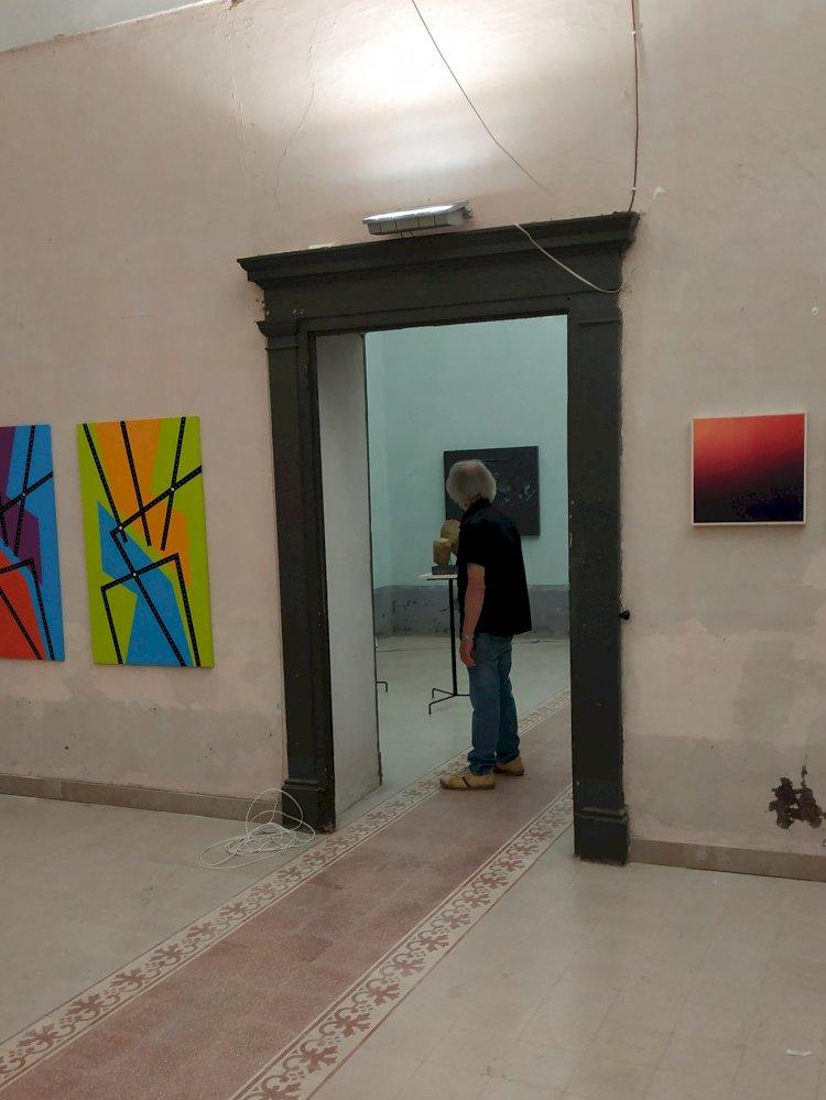 OPERE AL CASTELLO. Il carattere ospitale dell'arte