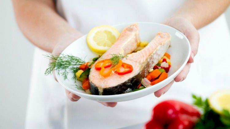 Cibo per la mente: come l'alimentazione influenza le prestazioni cognitive