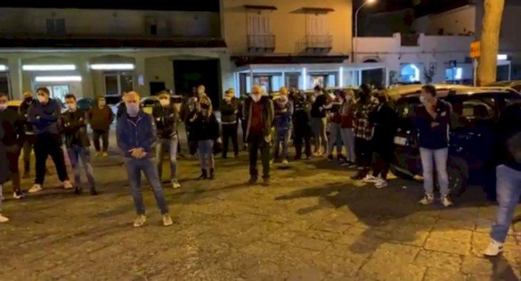 Somma Vesuviana: commercianti in piazza. Presente anche il Sindaco