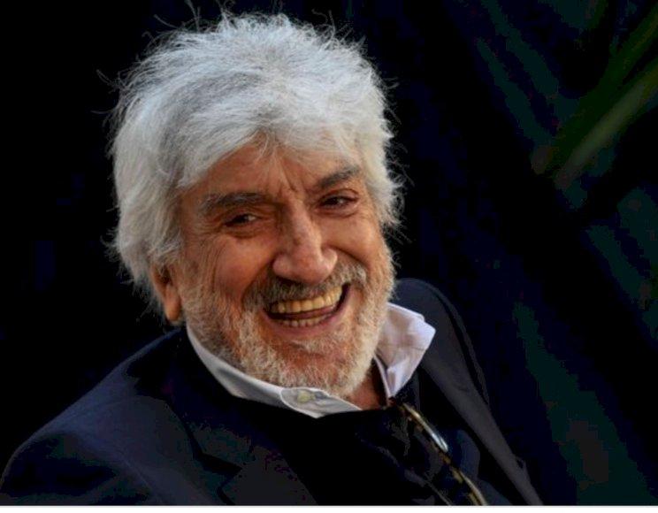 Gigi Proietti è morto. Oggi avrebbe compiuto 80 anni