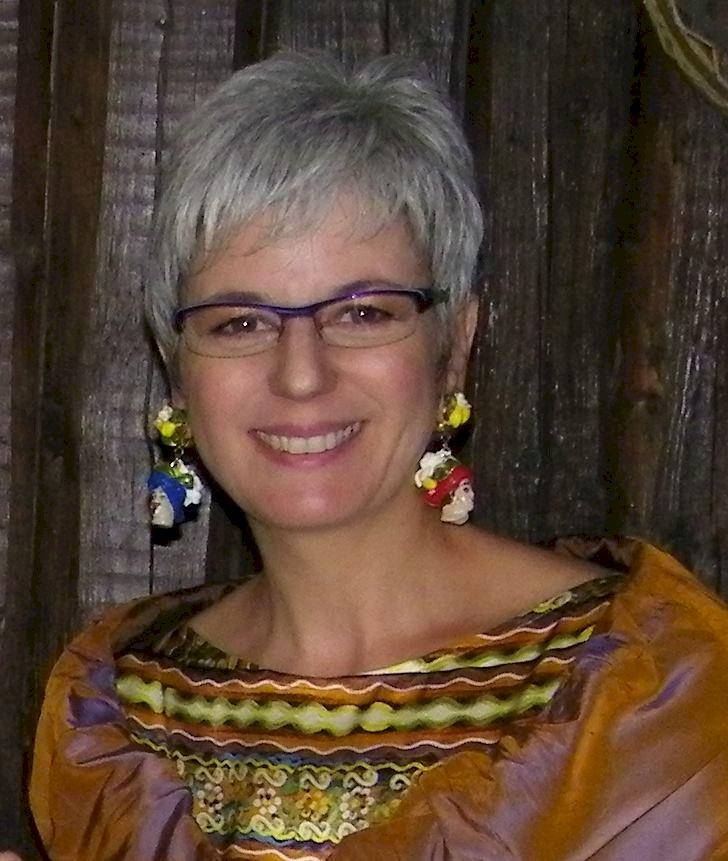 Importante riconoscimento a Marinella Milazzo per il suo impegno nell'arte a favore degli Ultimi