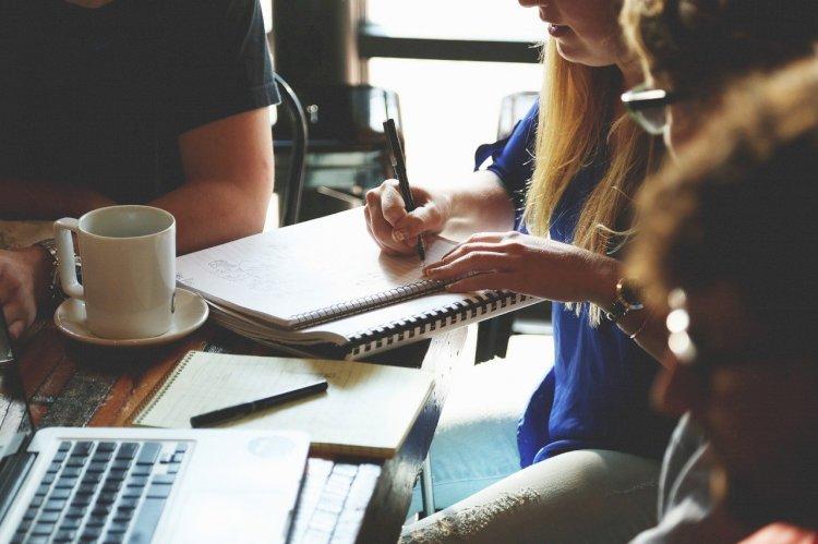 """Donne e lavoro, l'Ordine degli Psicologi: """"L'essere multitasking sta diventando una schiavitù"""""""