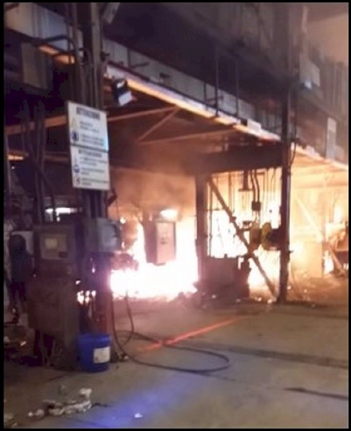 Taranto, esplosione all'ex Ilva: «Abbiamo evitato la strage»