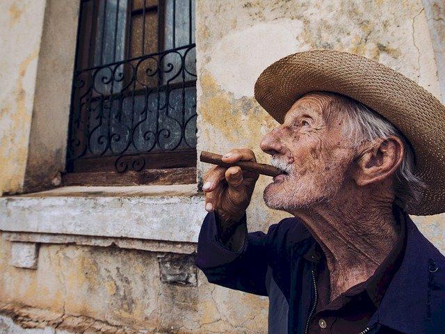 Cuba, Minà: «Dobbiamo aiutarli, per aiutarci a restare umani.»