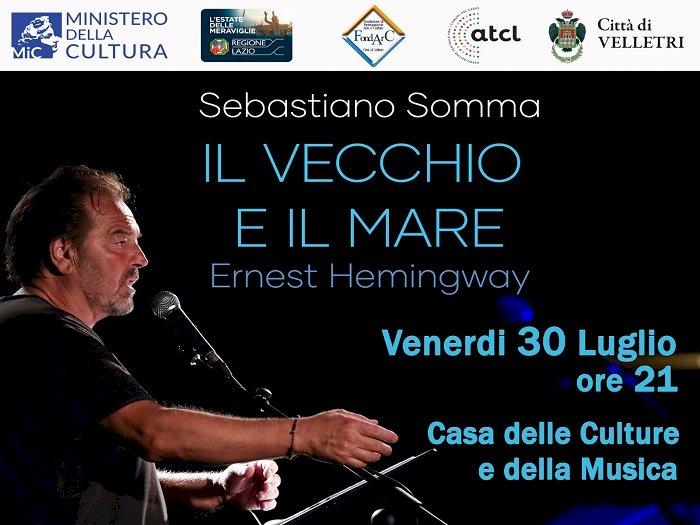Sebastiano Somma alla Casa delle Culture legge «Il vecchio e il mare»