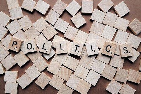 Due opposte concezioni della Politica