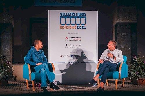 """Fabio Genovesi ha presentato """"Il calamaro gigante"""": la ricerca della bellezza a """"Velletri Libris"""""""