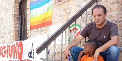 Solidarietà a Mimmo Lucano, colpito da una sentenza di regime